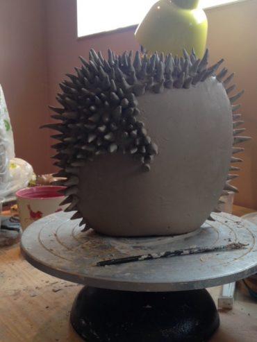 Spike pot